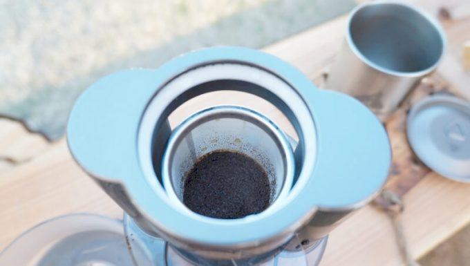 Oceanrich Plus+でコーヒーを淹れる手順(コーヒーパウダーが蒸された状態)