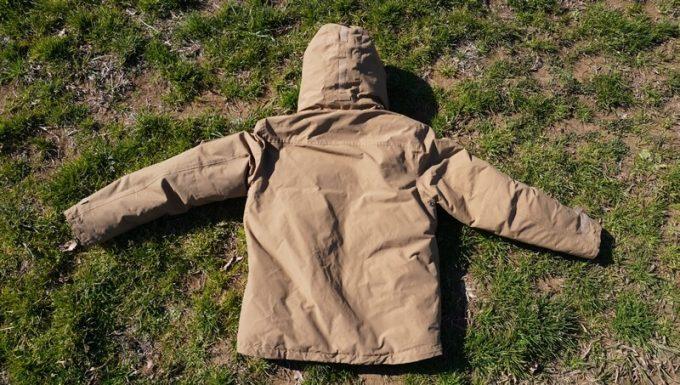 grn(ジーアールエヌ)ダウンジャケット 背面