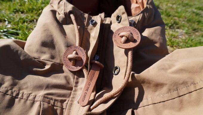 grn(ジーアールエヌ)ダウンジャケットの本皮タブ