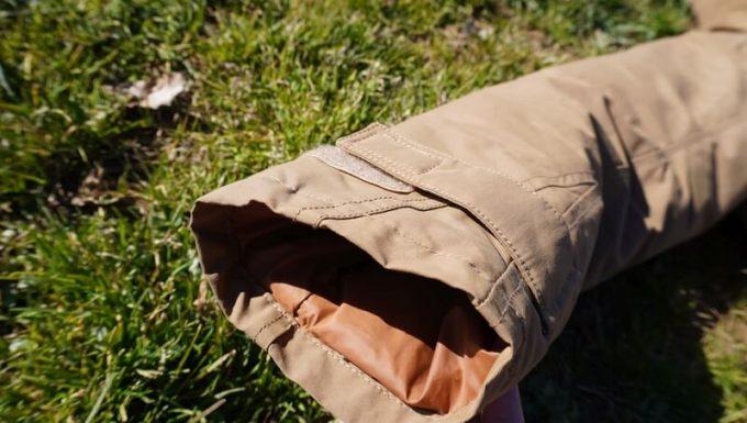grn(ジーアールエヌ)ダウンジャケットの裾(スソ)