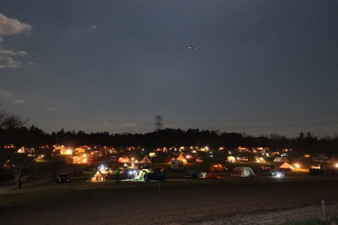 森のまきばの夜のテント
