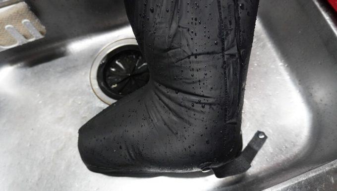 miraiON レインシューズカバーの水漏れ検査 5