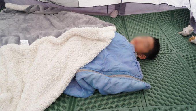春秋の子供用寝袋