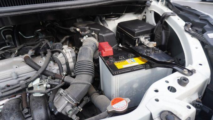 ボルトマジックのジャンプスターター「JS-06」でジャンプスタートする手順 1 (車のバッテリー)
