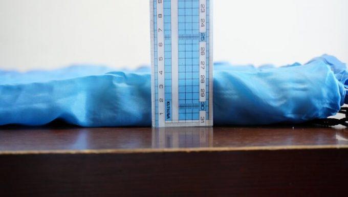 安物3シーズン寝袋の厚さは4cm