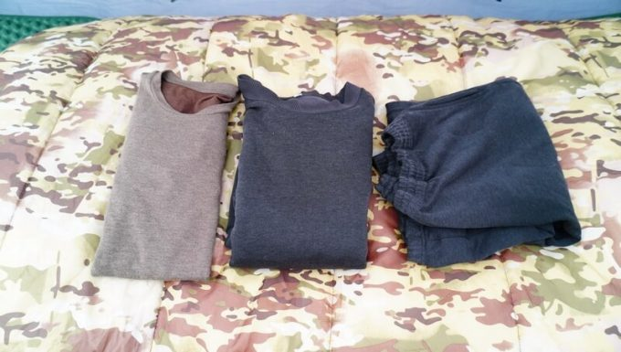 スナグパックの寝袋「マリナー スクエア」で寝た時の服装