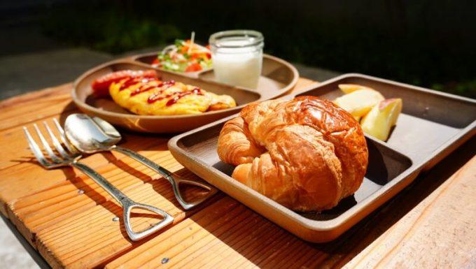 フェリシモ USEDo スコップ型スプーンとフォークのヴィンテージ風カトラリーセットと木製の食器