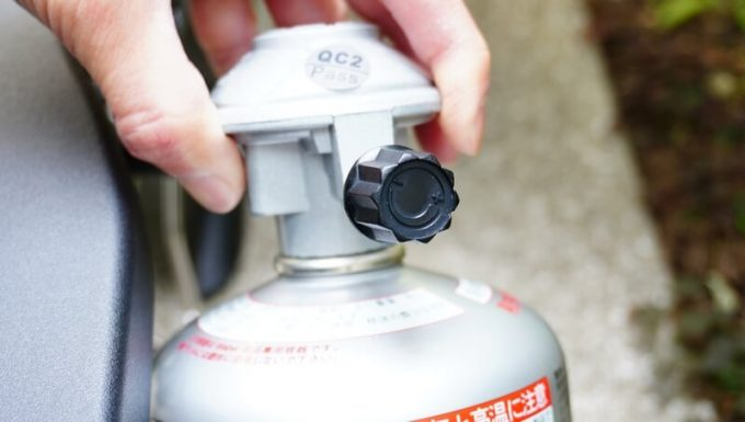 Weberガスグリル(Q1250)の使い方3 ガスの元栓を開ける