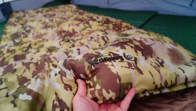 スナグパックの寝袋「マリナー スクエア」の表生地の質感
