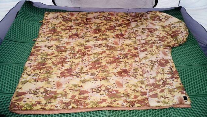 スナグパックの寝袋「マリナー スクエア」は大きく開いて掛け布団として使える