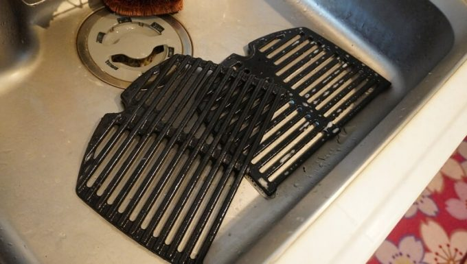 Weber電気グリルQ1400の網を丸洗い