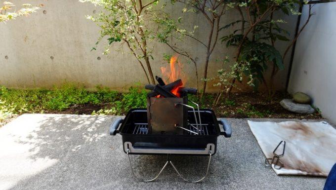WeberのGo Anywareで炭を燃やす