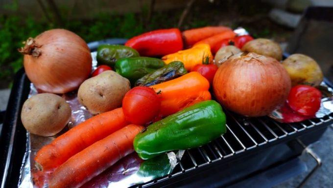 WeberのGo Anywareで野菜を焼く