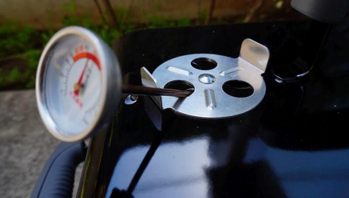 WeberのGo Anywareの温度を温度計で測る