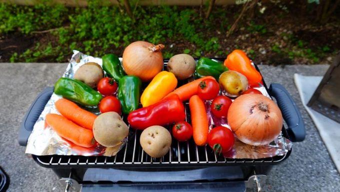 WeberのGo Anywareで焼く野菜をセット