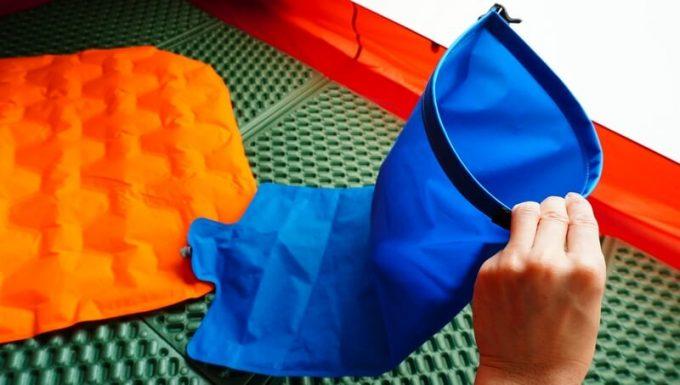 ネイチャーハイクのポンプバッグの使い方(空気を入れる)