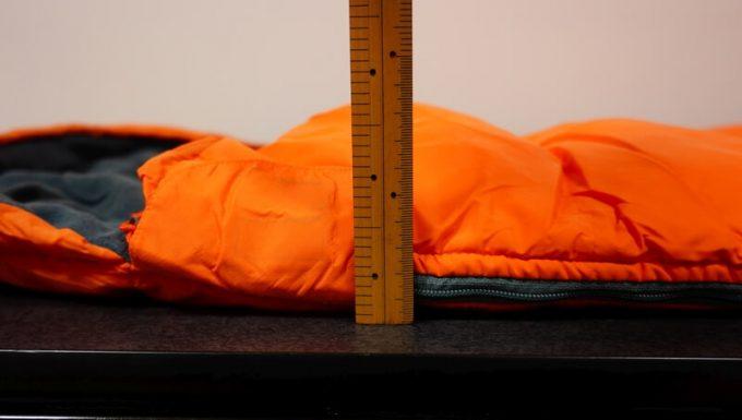 ネイチャーハイク(Naturehike)のエンベロープダウン寝袋の厚さ