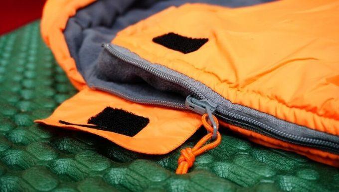 ネイチャーハイク(Naturehike)のエンベロープダウン寝袋のジッパーの作り