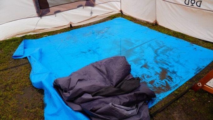 雨キャンプの撤収風景