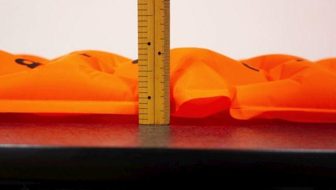 ネイチャーハイクの超軽量テントマットの厚さ