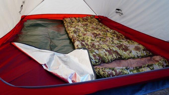 グラバー オールウェザーブランケットは大人2人が寝られるサイズ