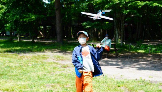 キャンプでグライダー飛ばし3