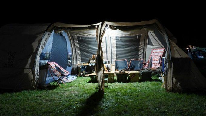 クレイモア3フェイスの明るさ 大型テント内