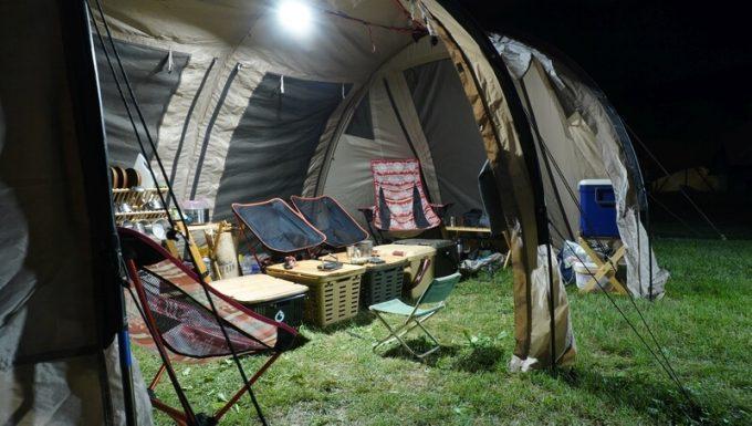クレイモア ウルトラ 3.0 Mの明るさ 大型テント内2