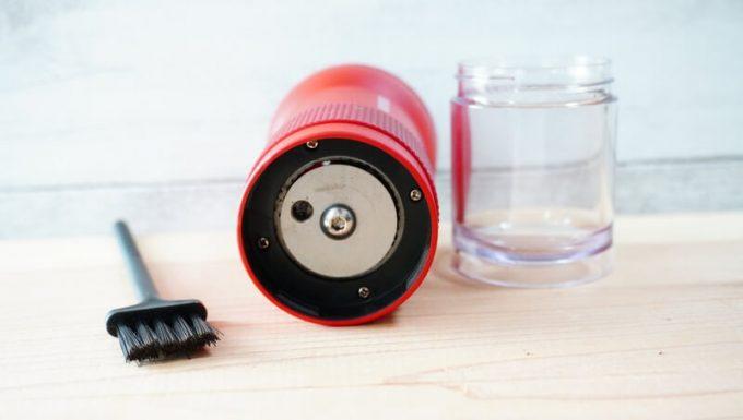 カフラーノのコーヒーミル(クラインダー)を清掃