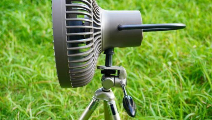 クレイモア「CLAYMORE FAN V600」をカメラ用の三脚に取り付ける