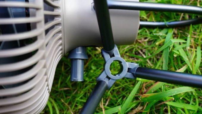 クレイモア「CLAYMORE FAN V600」の脚を接続