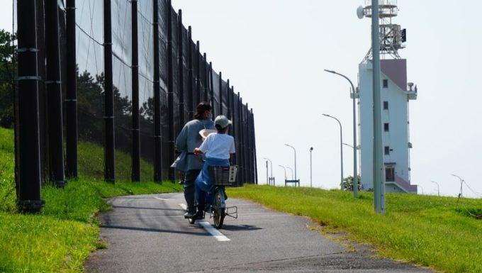 若洲公園でサイクリング 灯台
