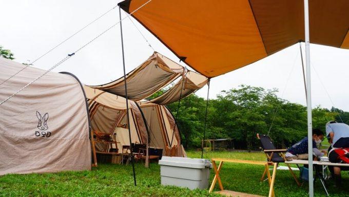 テントのキャノピーとタープを連結