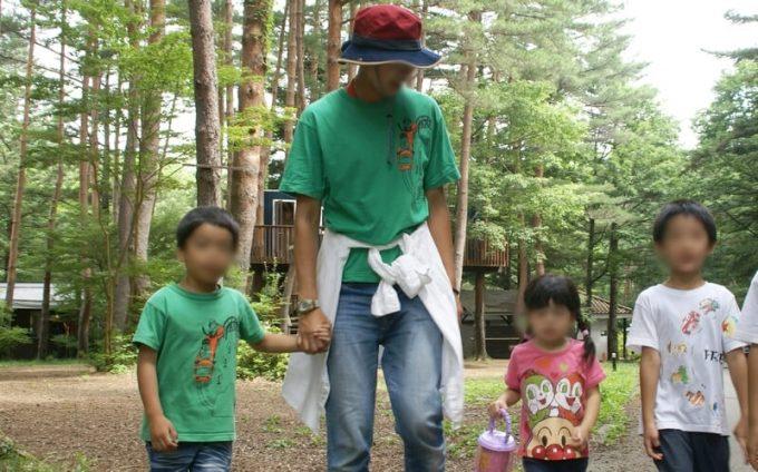夏キャンプ女性服装子供とお揃いTシャツ