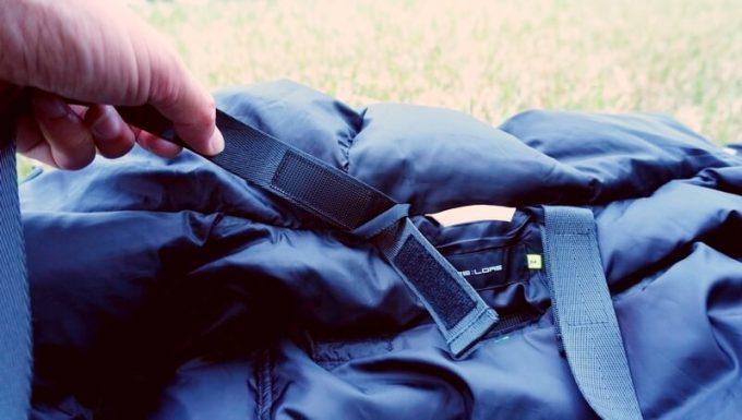 リロア ダウンジャケットのベルトは取り外し可能