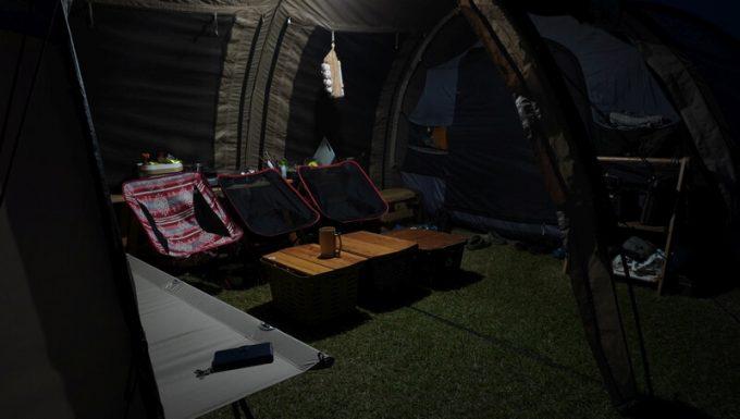 sinrai LEDランタンの明るさ 昼白色 テント内 ズーム