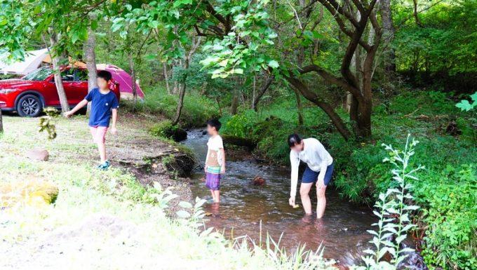 キャンプラビット 川遊び2