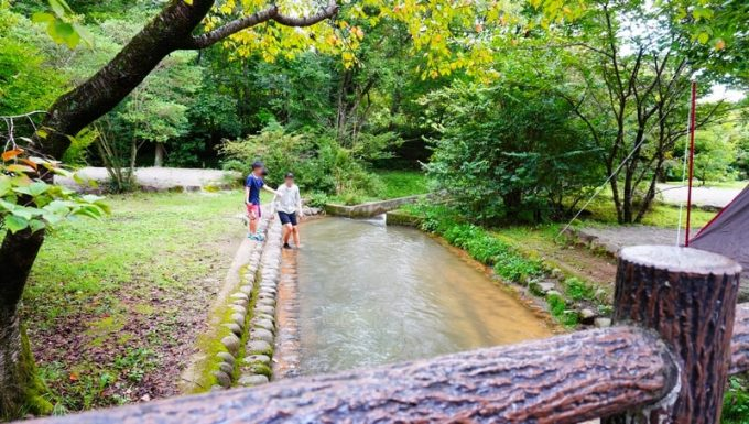 キャンプラビット 川遊び