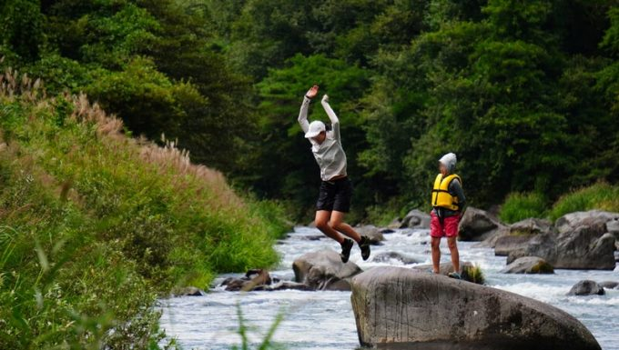 那須で川遊び 飛び込み