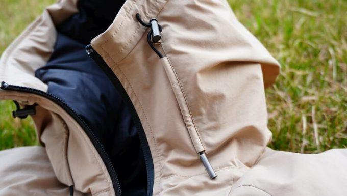 リロア ダウンジャケットのフードのドローコード
