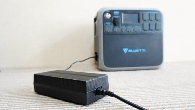 ブルーティ(BLUETTI)AC200を充電
