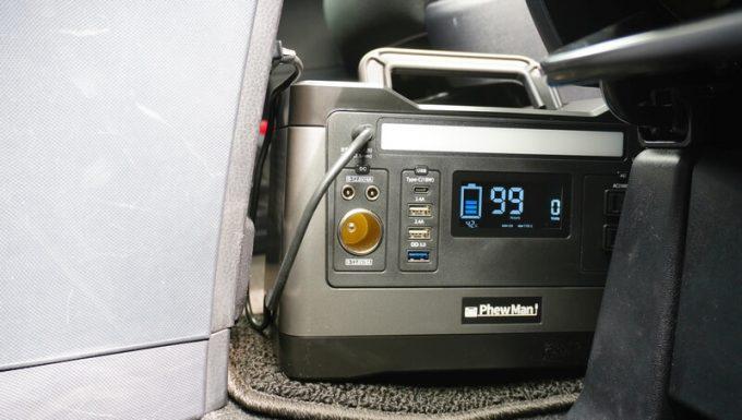 PhewMan500をカーシガレットで充電