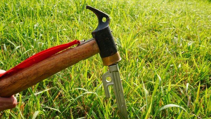 アルミ鋳造ペグは銅製ハンマーを推奨