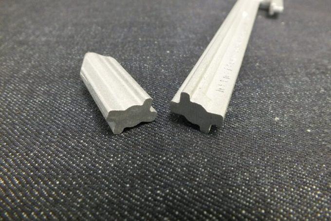 アルミ鋳造ペグの断面