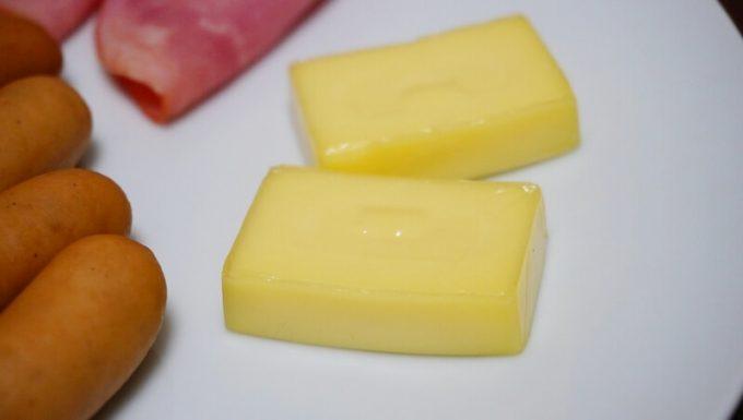 イージースモーカーで作った燻製チーズ