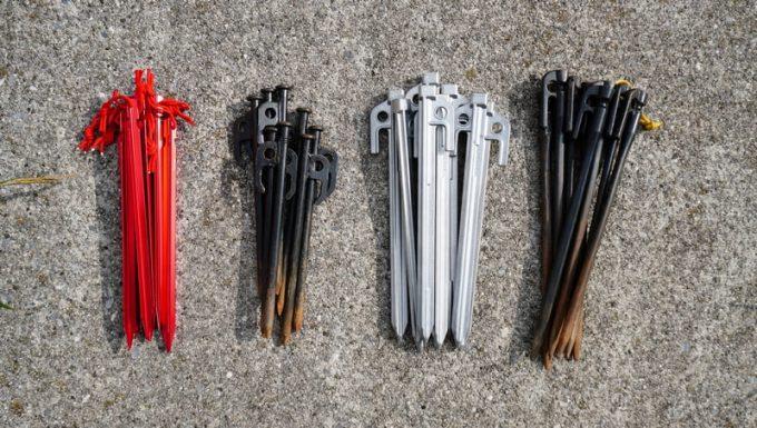 アルミ鋳造ペグと鋼製鋳造ペグとアルミペグの体積比較