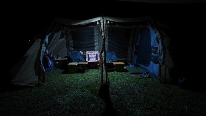 クレイモア キャップオン 120Hの明るさ 拡散光 テント内
