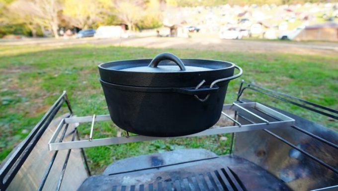 ニコイチごとくにダッチオーブンを乗せる