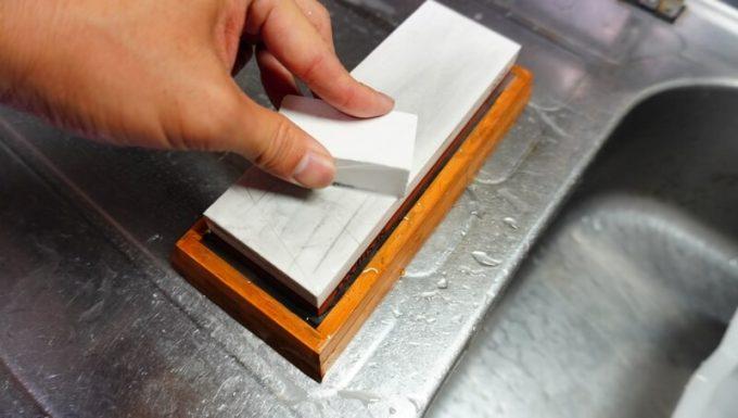 NESHEXSTの砥石セットの面直し砥石の使い方2