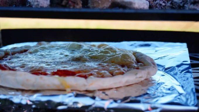 ピザのチーズが溶ける